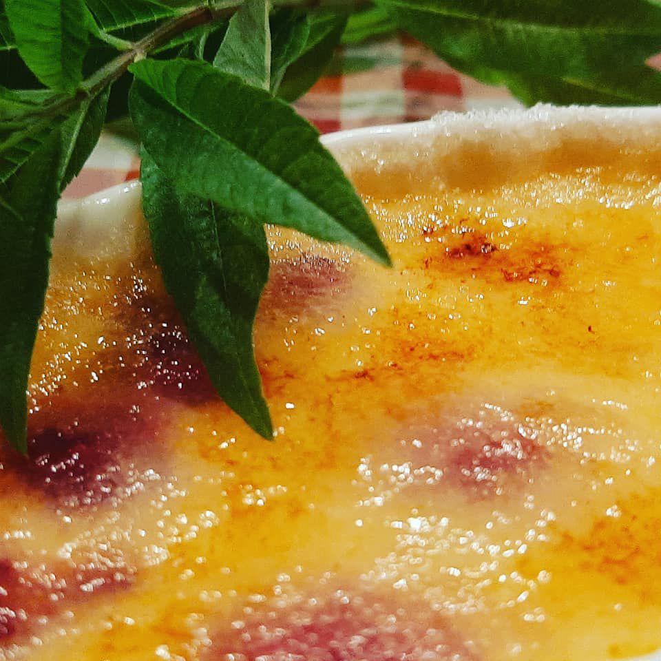 crème brulée  framboises ,verveine du jardin  recette chef Damien