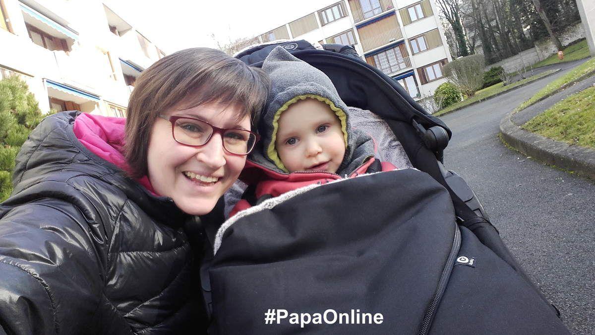 ... que sur la City Zip de Babyjogger (elle est la seule que Maman Online - -ici en photo - a essayé qui ne glisse pas).