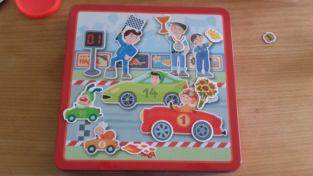 [Test] Papa Online! a testé pour vous... la boîte de jeu magnétique Petits Bolides de Haba