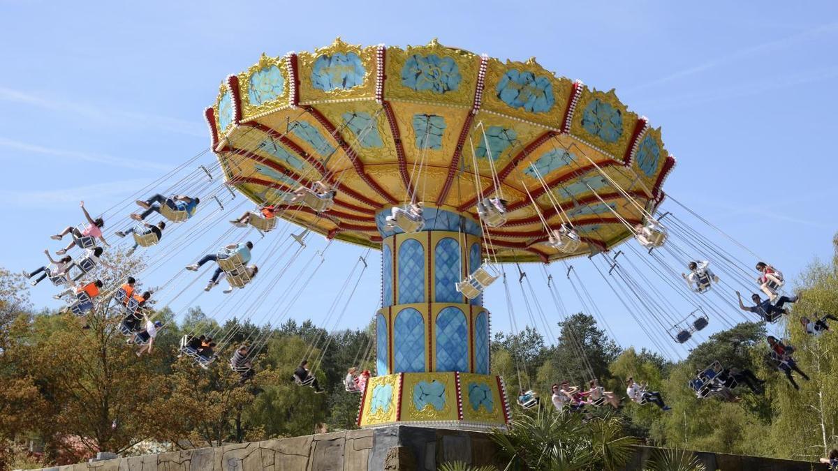 El Condor.- Type : chaises volantes (dès 1,25 m). Décollage immédiat pour le survol d'une ancienne cité Aztèque. 48 sièges dont 8 banquettes doubles dédiées aux jeunes aventuriers accompagnés.