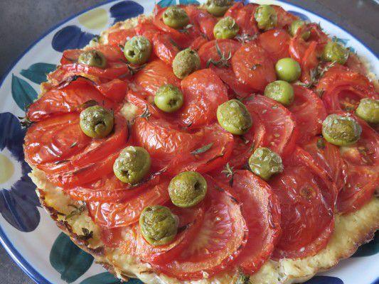 Tarte aux tomates et olives ,pâte à l'amande