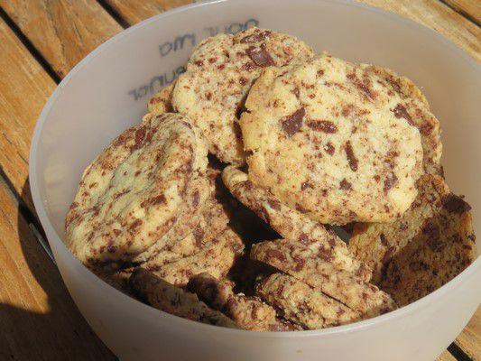 Cookies aux noisettes, beurre noisette, café et chocolat