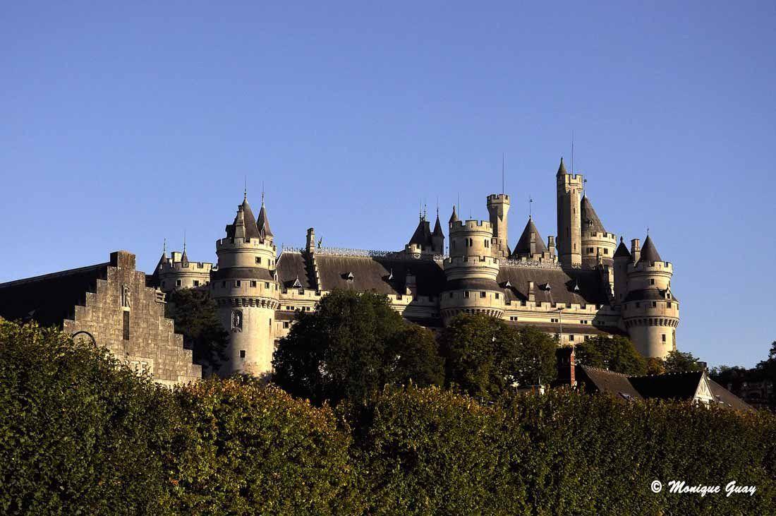 Château de Pierrefonds vu de l'ouest.