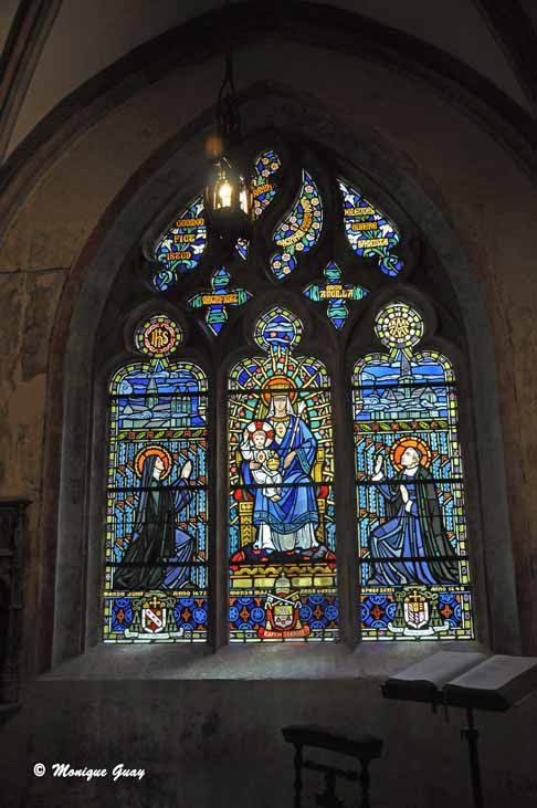 Vitraux de la chapelle de Clugny.