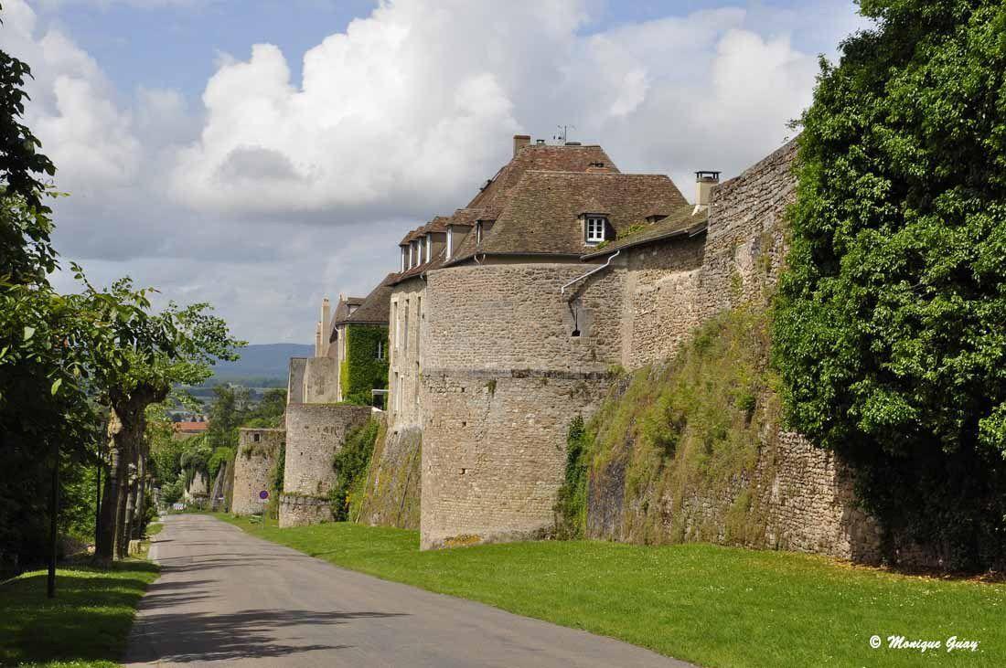 Autun: ville haute et ses remparts