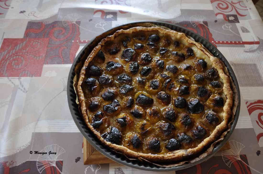 Tarte aux prunes. Succulente malgré le fait de l'avoir laissée un peu trop cuire.