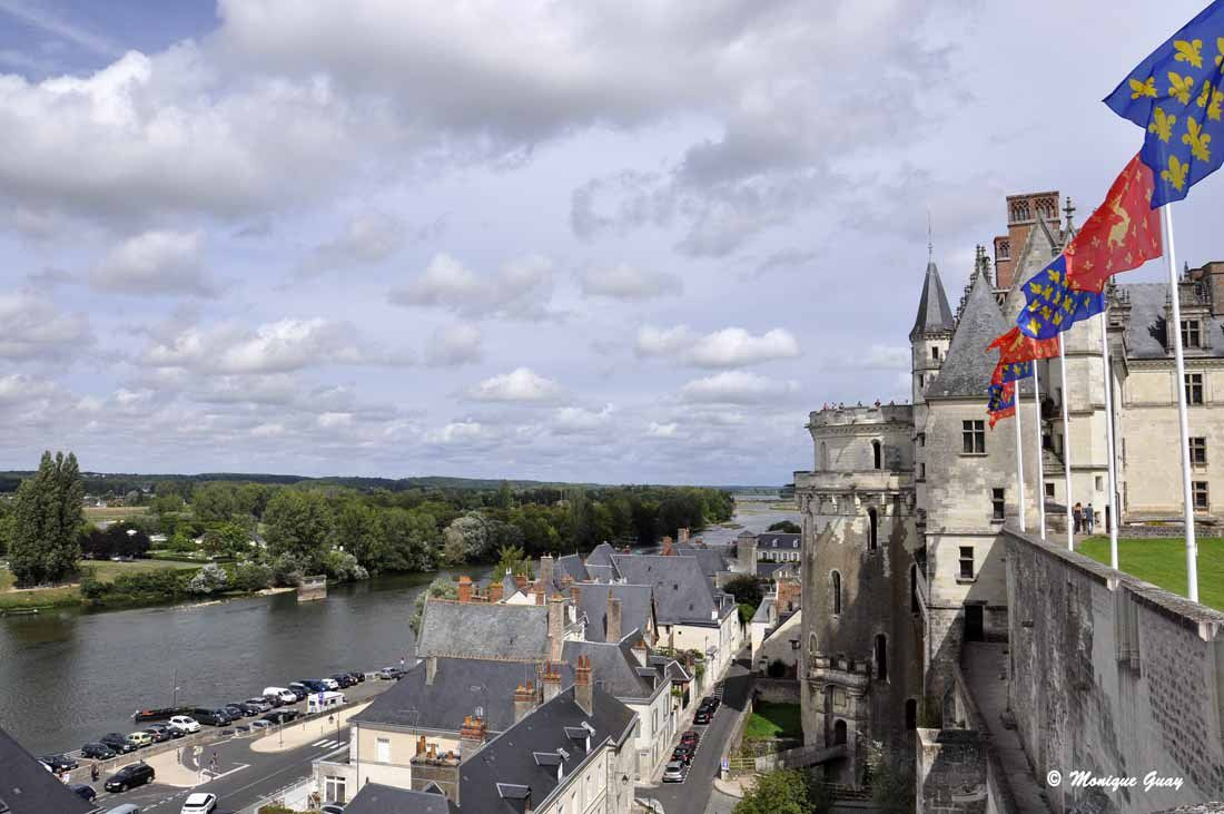 Vue sur la Loire en contre-bas, vers l'amont