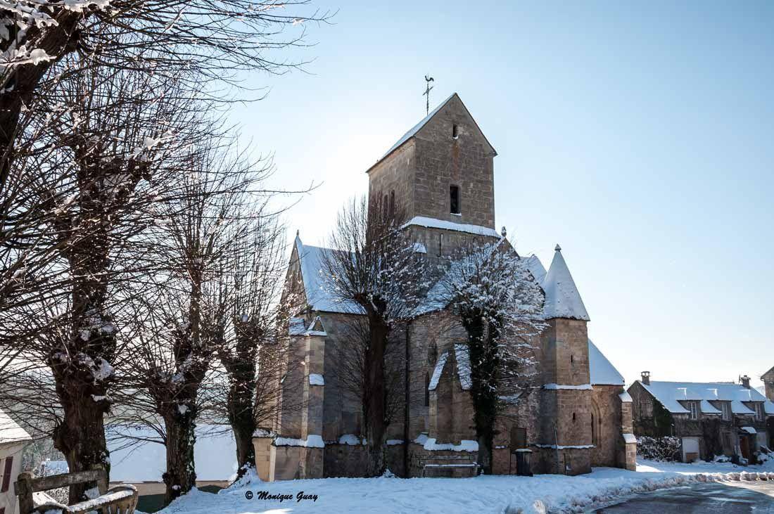 Je suis redescendue vers le village. Voilà notre église St Crépin, St Crépinien.