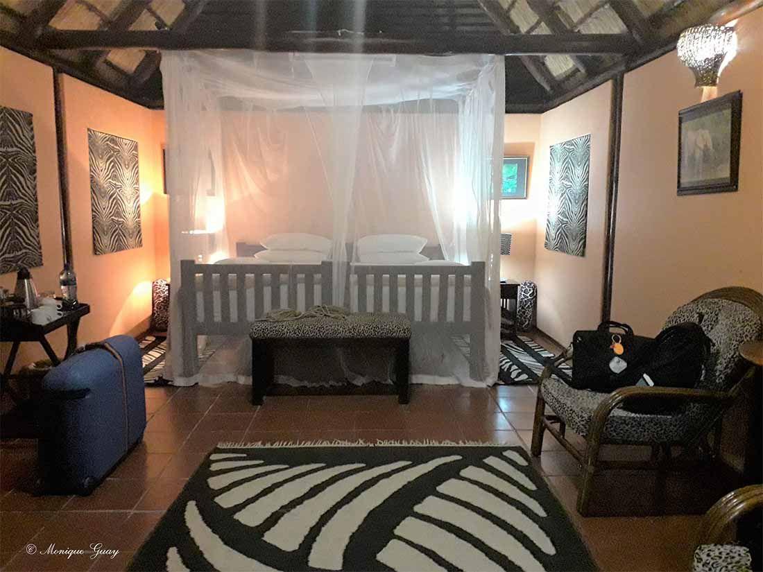 Chambre pour Célia et moi: tarif moins cher qu'en étant seule dans une chambre.