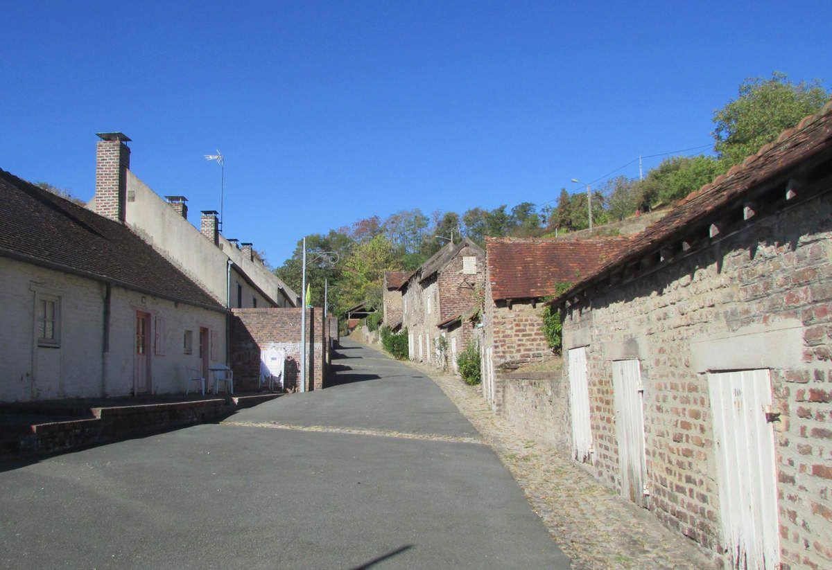 Deux quartiers, deux mondes - Le Creusot en Saône et Loire