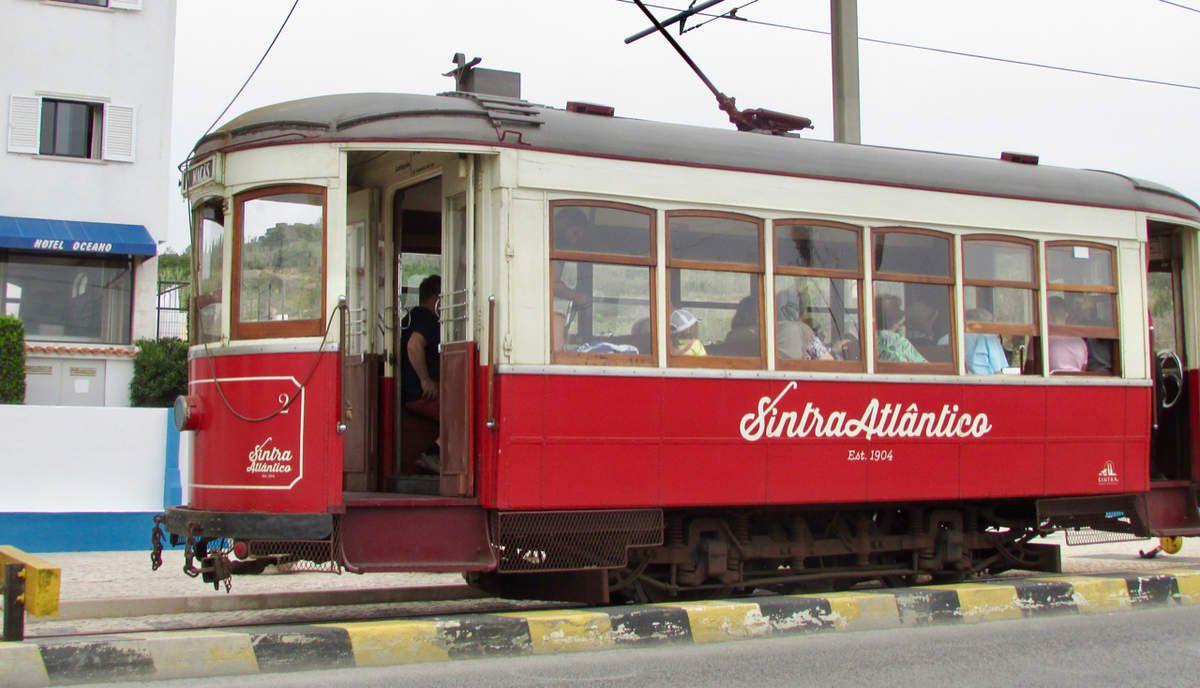 Tramway devant notre hôtel pour rejoindre le centre de Sintra