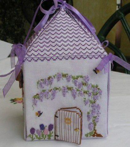 Surprise du dimanche... Une mini maison de Mélusine