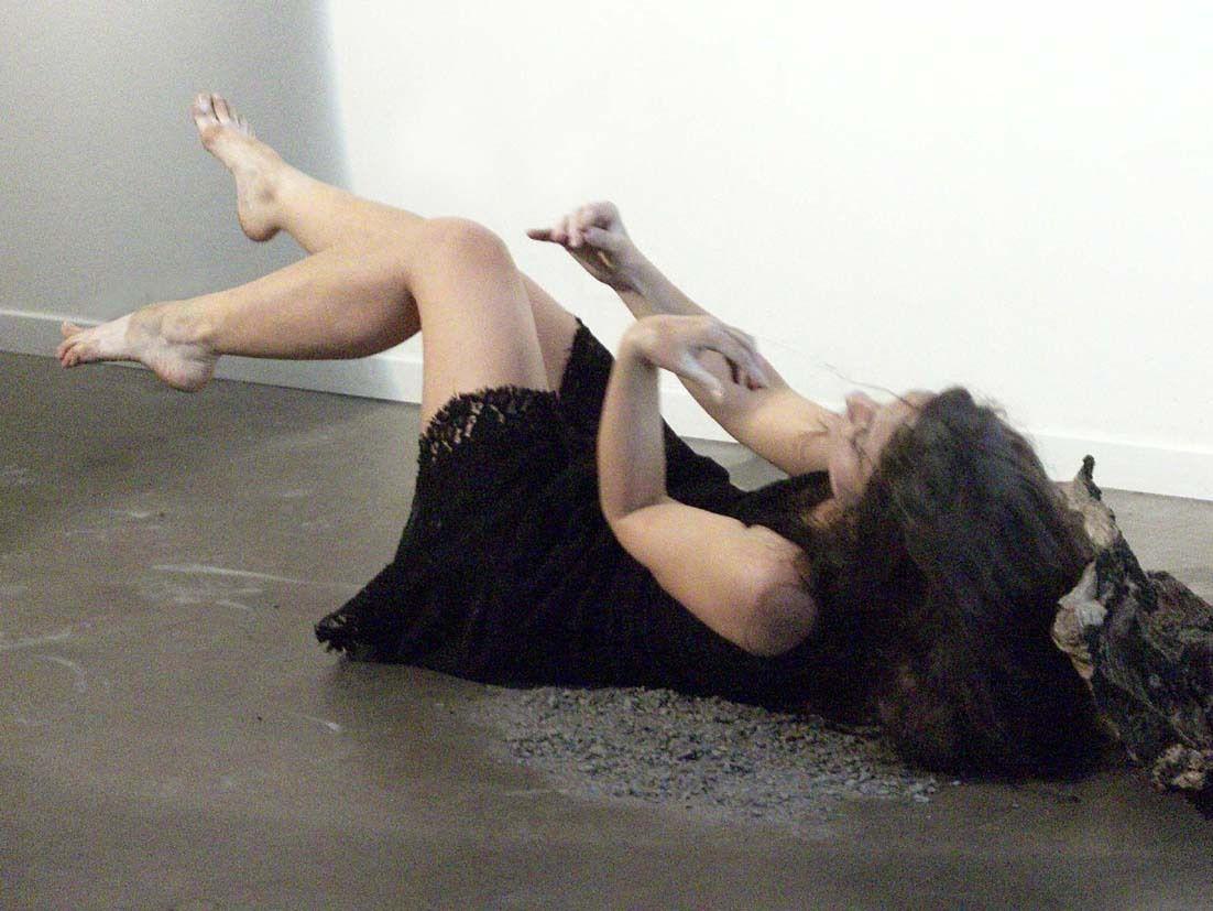 Performance de danse Butô à La Fenêtre  par Mā Thévenin le 6 Mai 2015 (Montpellier, 34)