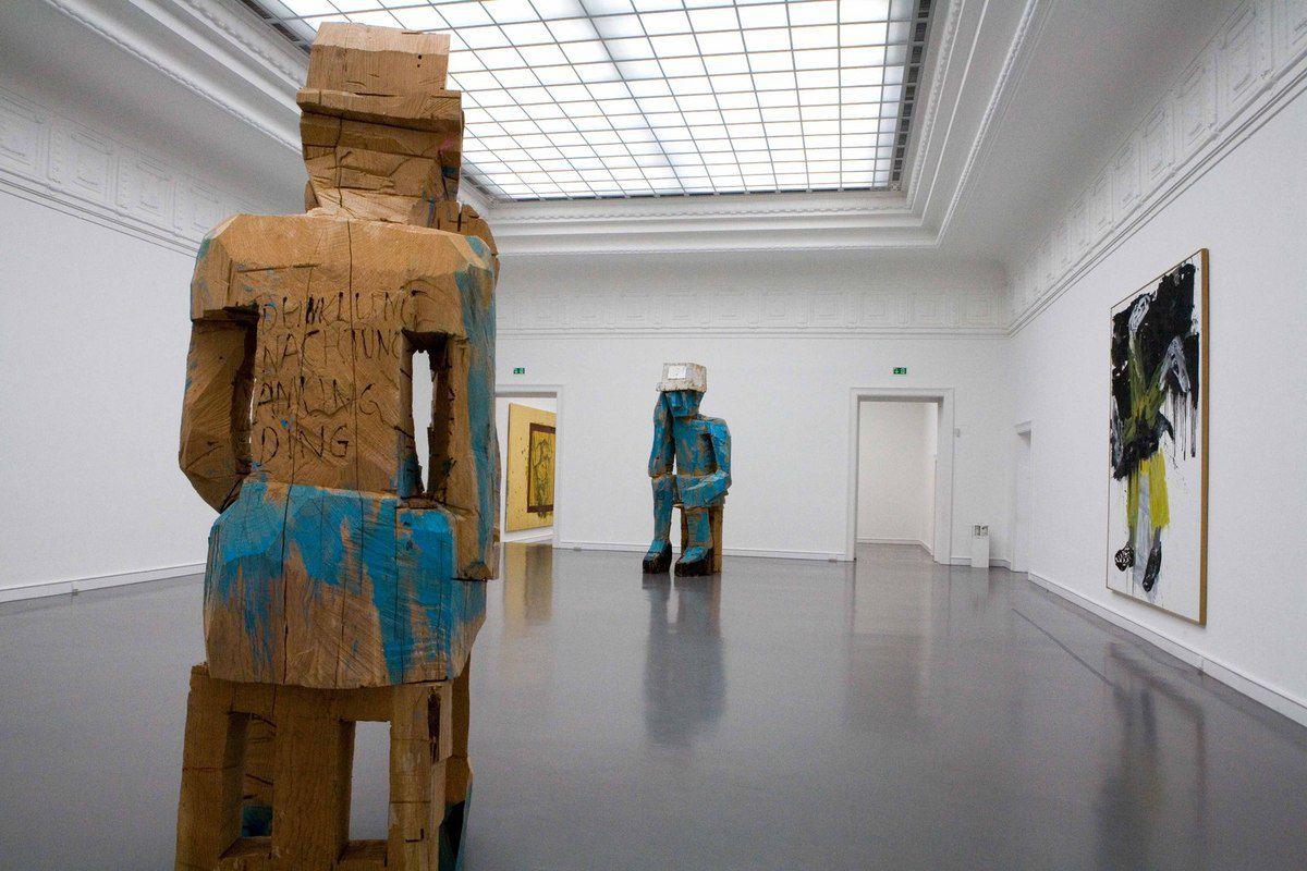 Exposition 30 ans de sculpture de Georg Baselitz. Staatliche Kunsthalle. Baden-Baden, le 5 février 2010