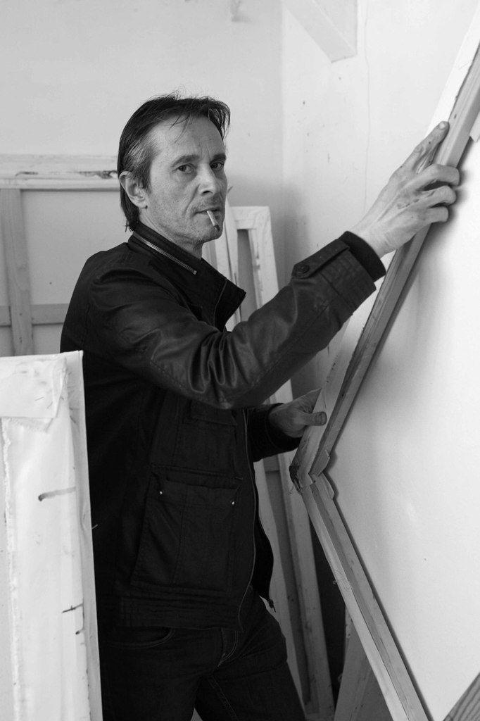 Martin Bissière dans son atelier de Paris, le 21 avril 2010