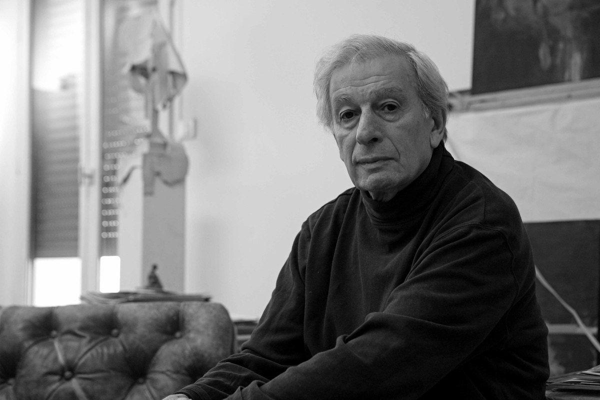 Dans son atelier de Montrouge, le 3 mars 2010