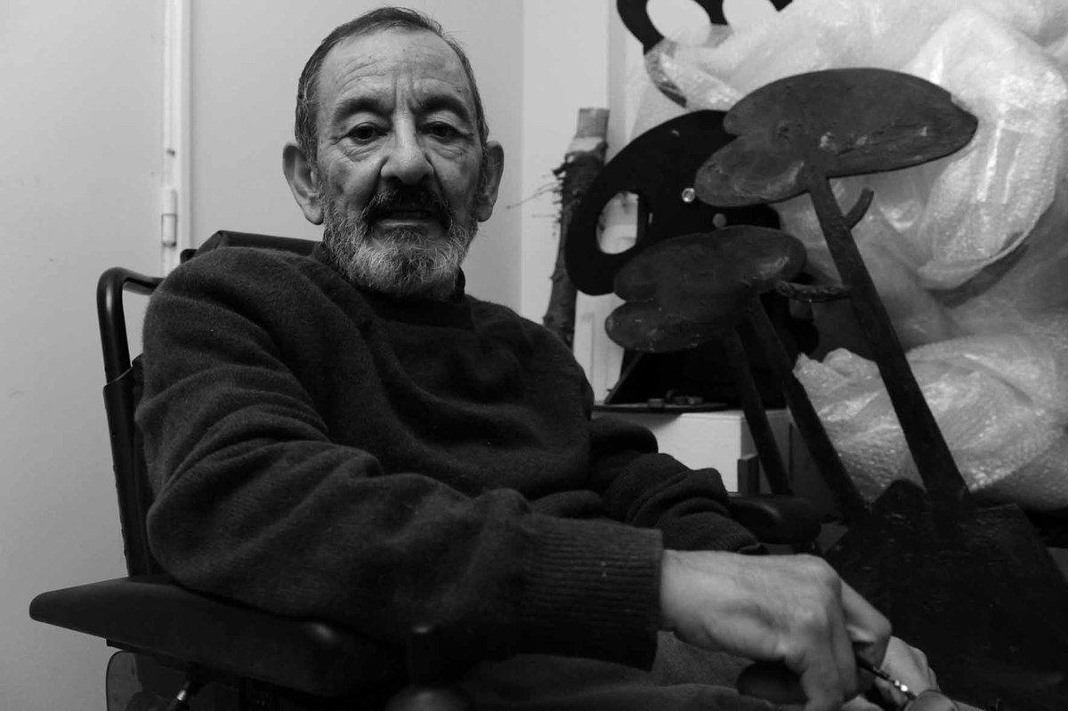 Claude Gilli (1938-2015) dans son atelier de Paris le 17 octobre 2011