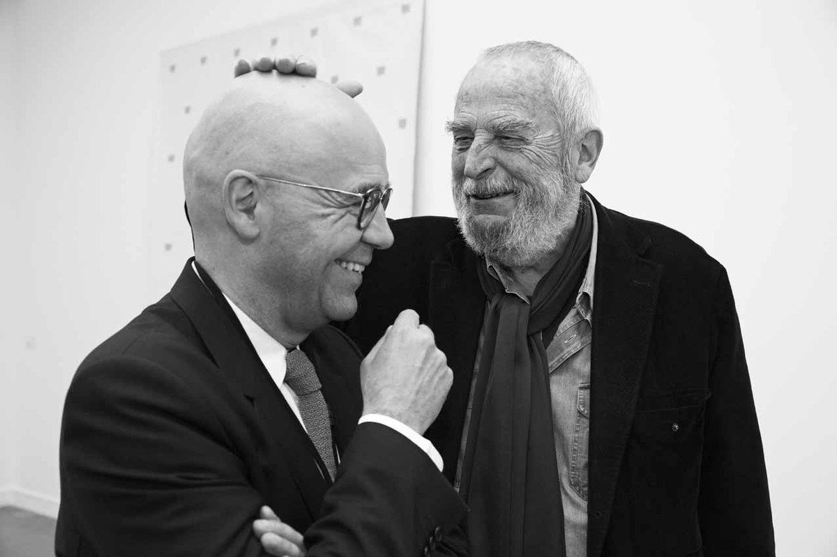 Fabrice Hergott, Niele Toroni. Vernissage de l'exposition Niele Toroni. Accrochage dans les collections permanentes. Musée d'Art Moderne de la Ville de Paris. Paris le 23 septembre 2015
