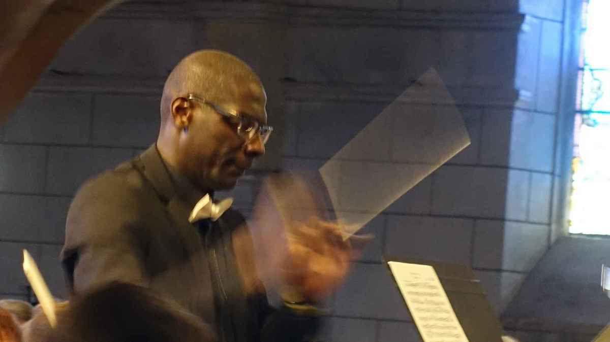 Martial Djébré dirigeant l'O.U.T.