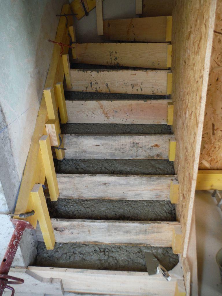 Casser Un Escalier Beton on coule l'escalier en béton! - rénover soi-même une maison