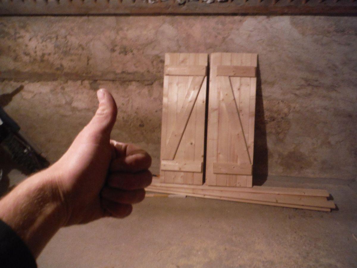 Reprise du blog: Réalisation de volets en bois pour les portes et fenêtres sur-mesure!
