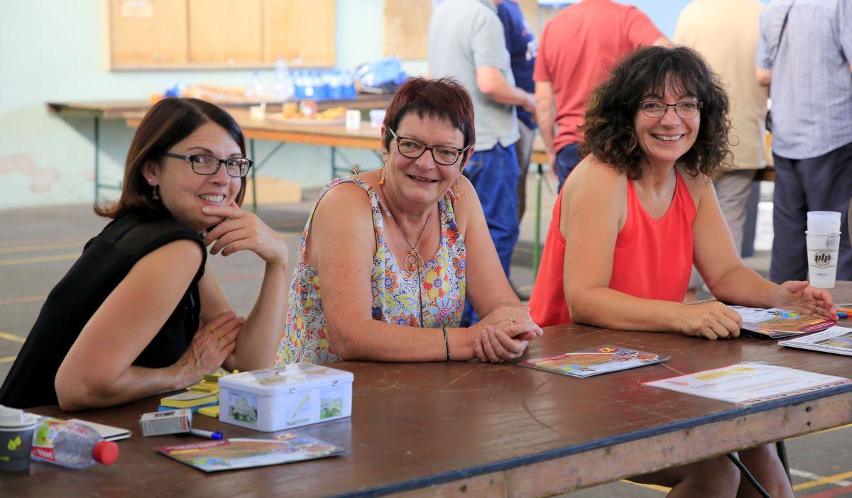 Hèléne, Jacqueline et Marielle aux entrées