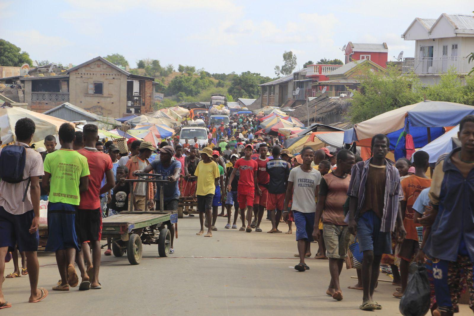 COMPTE-RENDU DU VOYAGE À MADAGASCAR DU 1er au 23 DÉCEMBRE 2019. HÉLÈNE ET PATRICK P ET ALAIN S (deuxième partie)