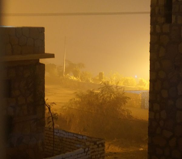Tempête de sable en Egypte, Sansstorm in Misr