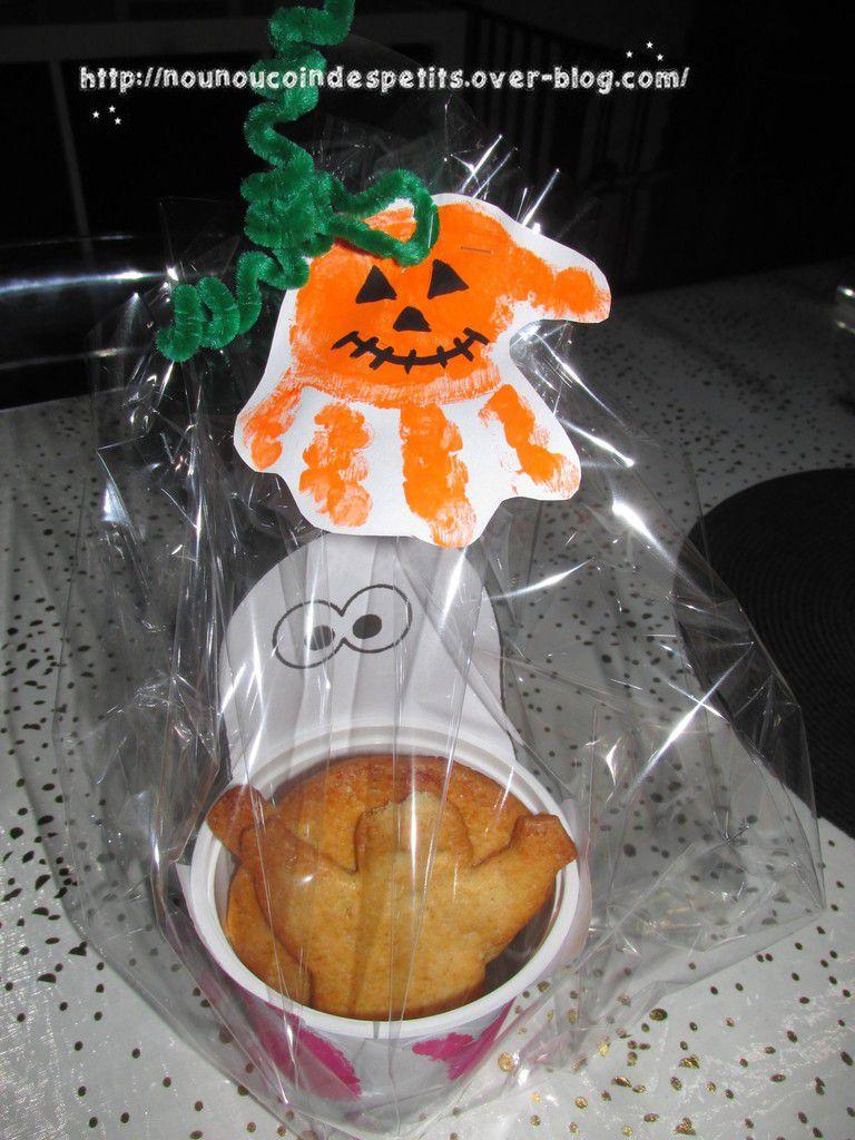 .. Boite a  biscuits sablés Fantôme pour Halloween ..