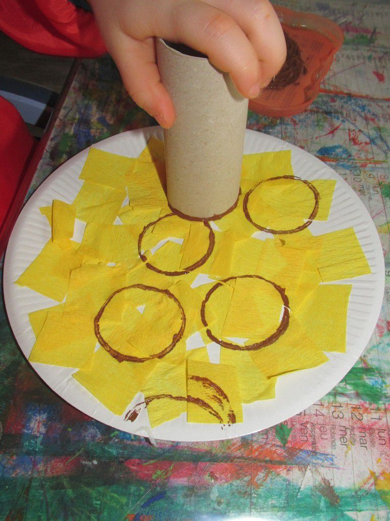 .. La crêpe et les ingrédients de la pâte a crêpes ..