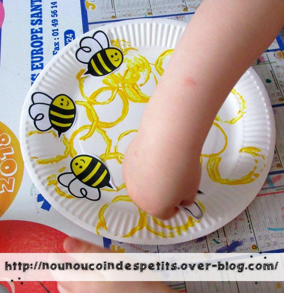 .. La ruche des abeilles assiette en carton ..