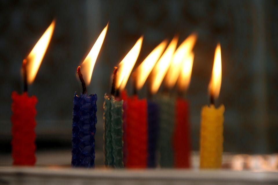 on souffle les bougies ........................ et une de plus !!!!!!!!