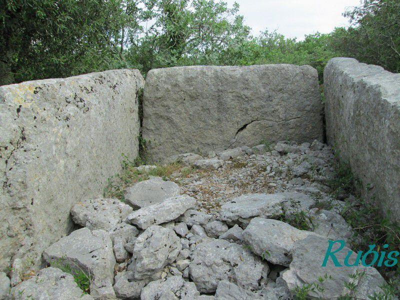 Dolmen H du Rang de Figère, Labeaume