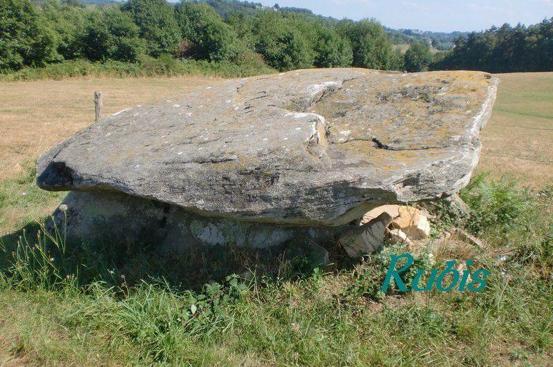 Dolmen de la Cabane de la Fée ou de Brugeilles, Beynat