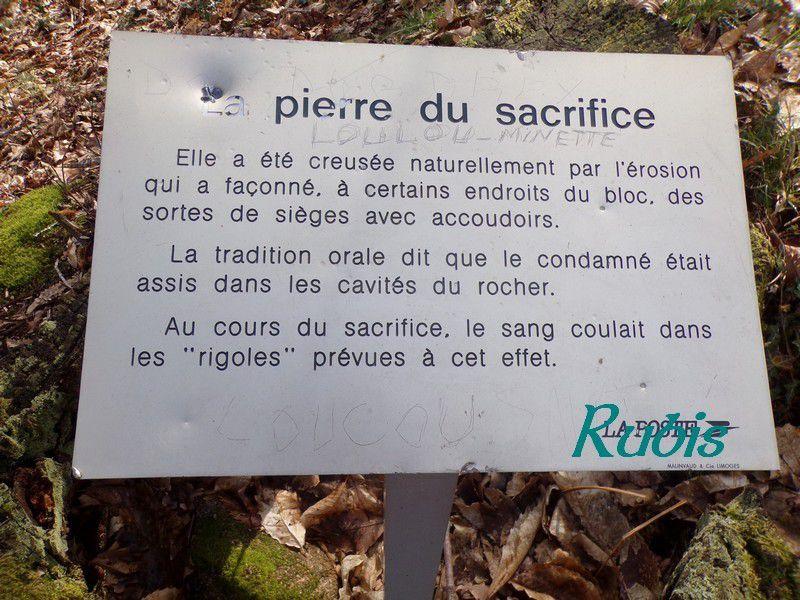 Pierre du Sacrifice ou de l'Etrade, Châteauponsac