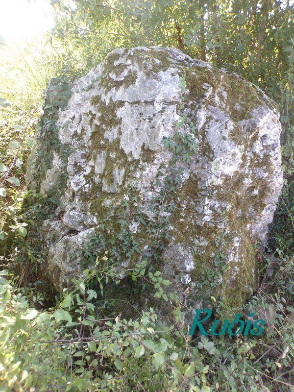 Menhir B de la Pierre Meslière, Saint-Géréon