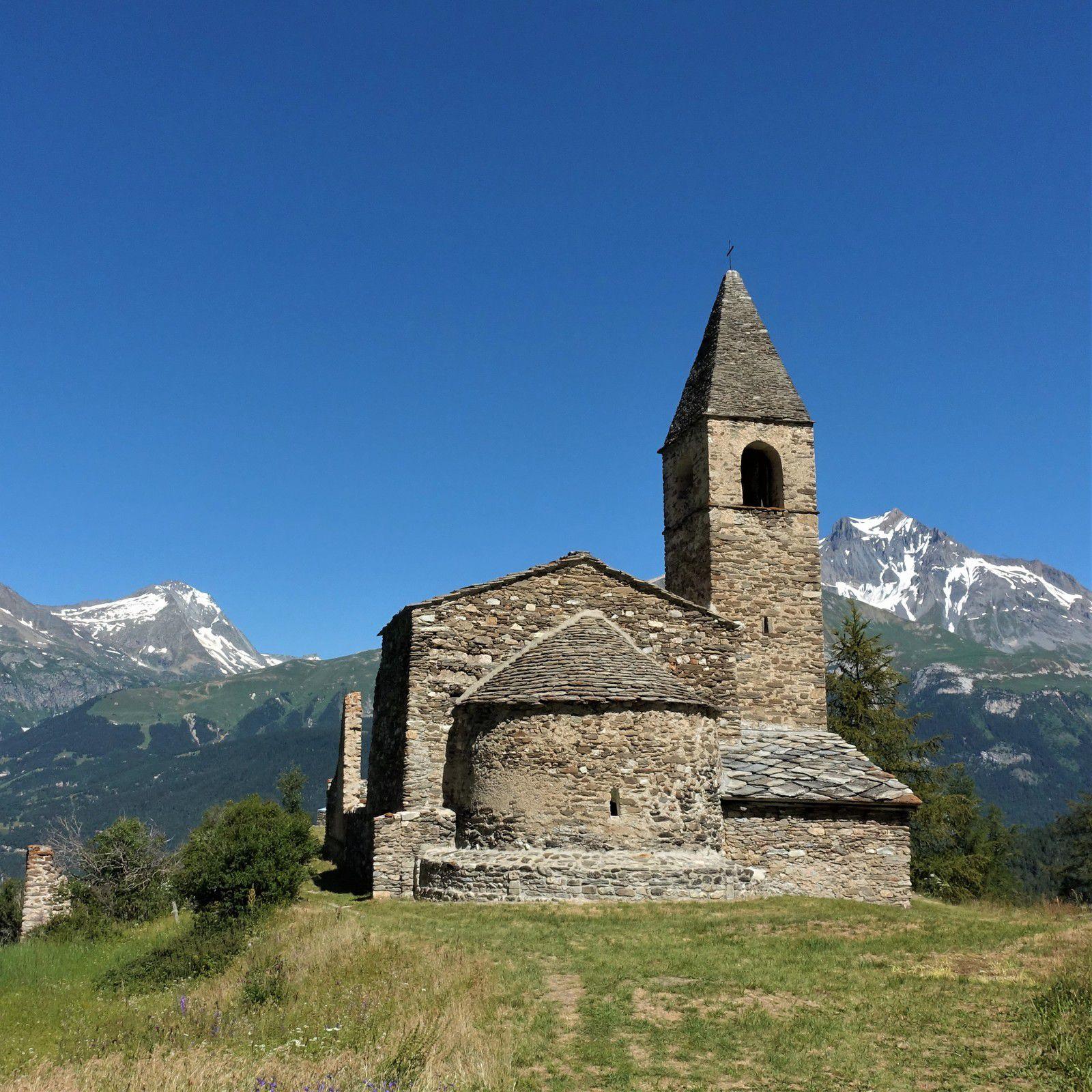 Extravache - y'a du réseau !!!  Alpage du Mt Cenis - Dent d'Ambin (3372m) près des Rochers pénibles