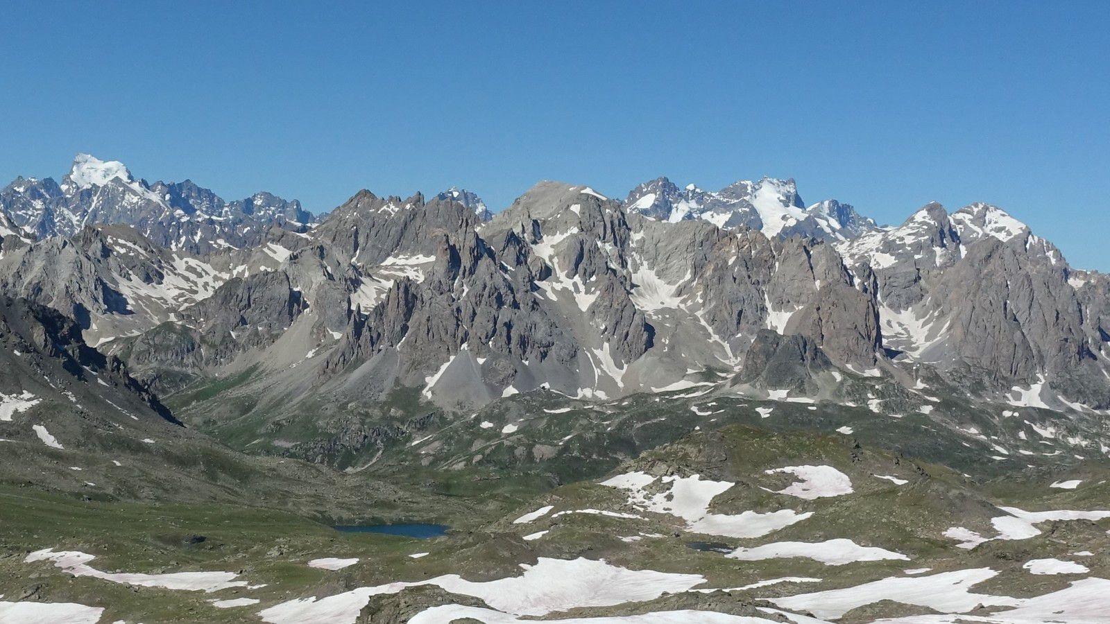 Départ du Pont de l'Alpe - Pointe des Cerces et vue sur les Ecrins