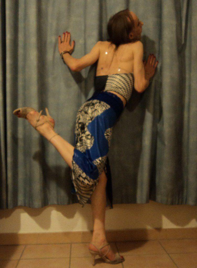 Belle plante gracieuse fluette beau brin de fille 48kg danse avec les étoiles démo impro star sauterelle gay Avignon