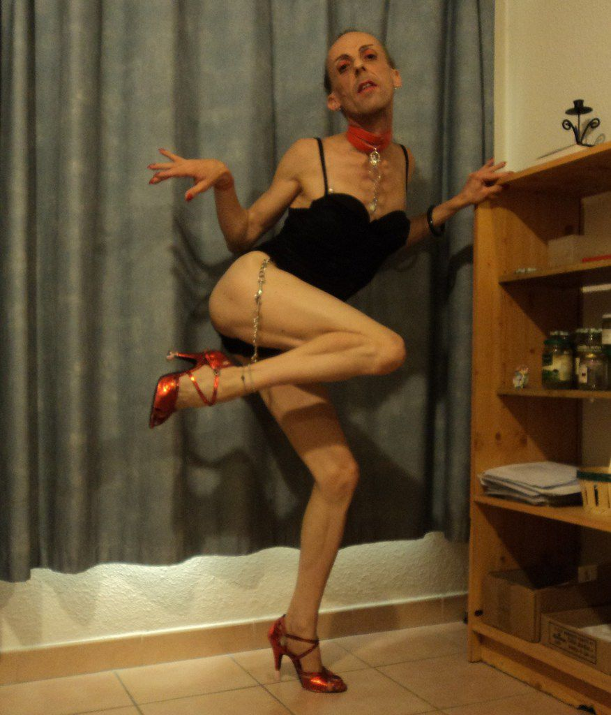 Créature mi-homme mi-femme de la Sorgue trans loli-gaie crevette homosexuelle T-Girl mature sans hormones Avignon