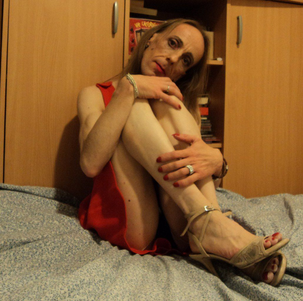 Loligay soubrette docile gay-french-life-lover sud-est de la France, training travesti célibataire. Je cherche mon mari