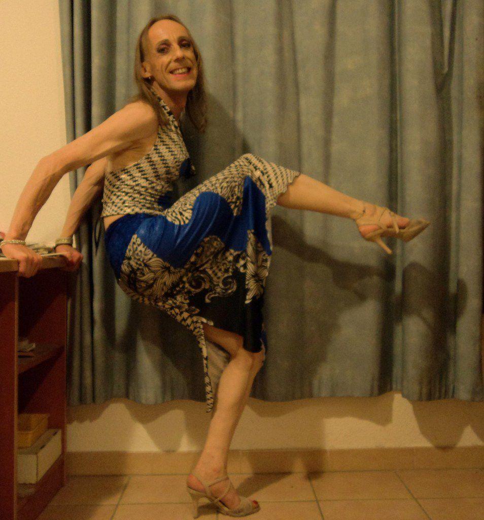 ¿No ven quién soy yo? Chica infiel de tango argentino, siempre feliz. Yo soy una mirada maestra al sur de Francia