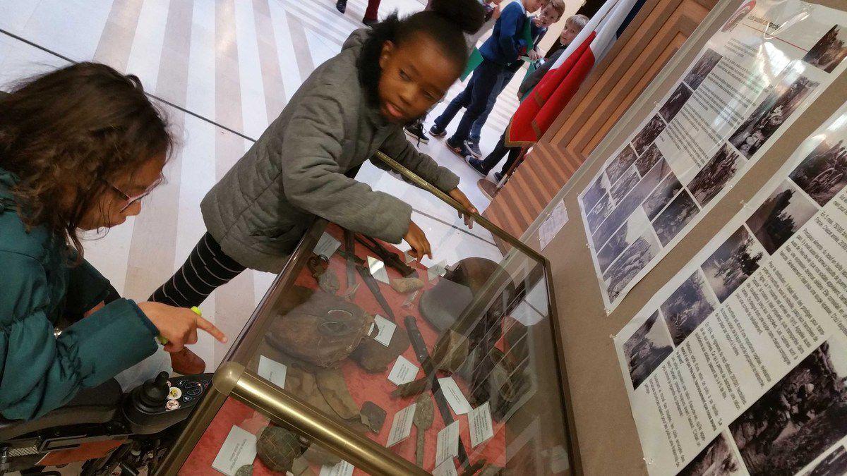 Grande Guerre : à Garches, 160 objets pour une expo à hauteur d'enfants.