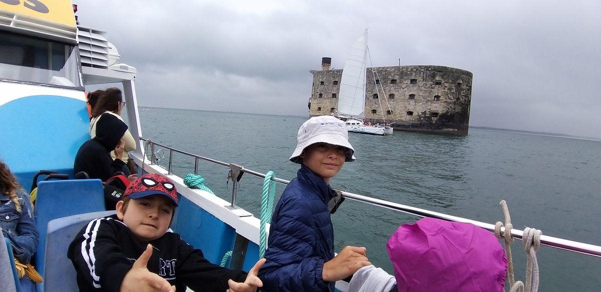 13h37, Oléron jour 6: fort Boyard et escale sur l'île d'Aix, suite...