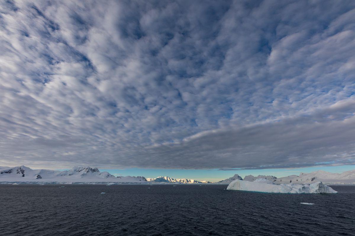 Antarctique - ciels, mers et reflets