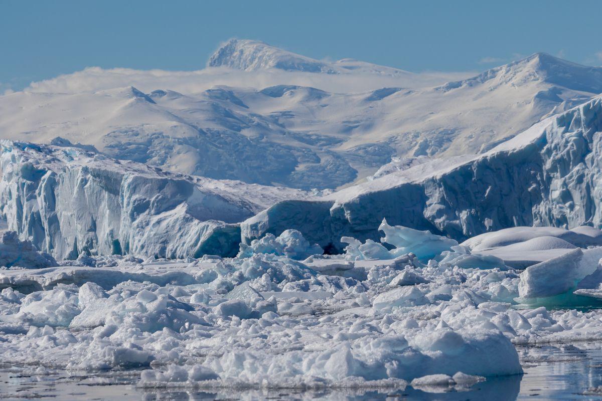 Antarctique - couleurs chaudes et lumières glacées