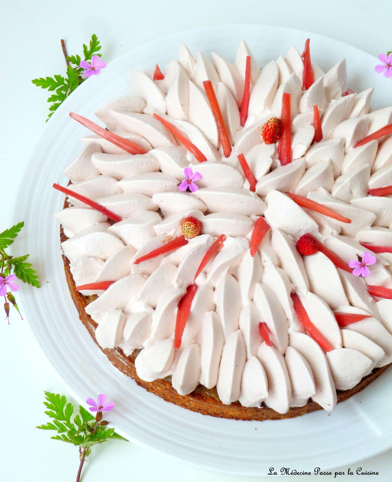 Tarte rhubarbe et nuage de fraise
