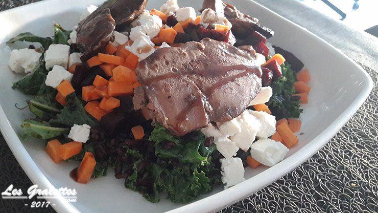 salade composée chou kale foie de volaille feta