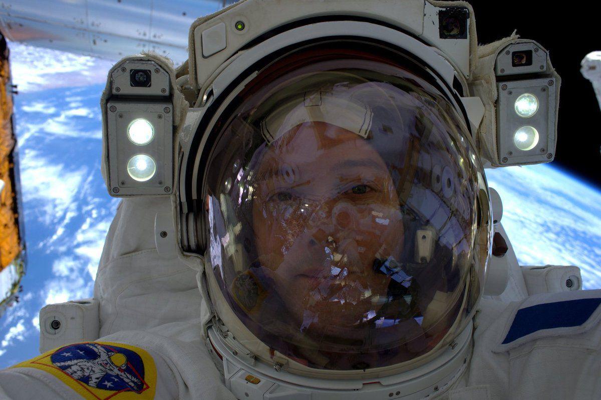 Une selfie depuis l'espace !