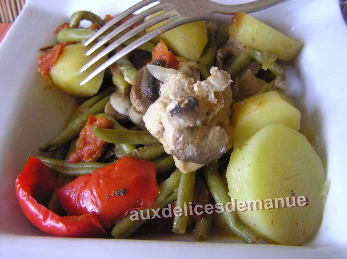 filets de poulet aux pommes de terre et légumes